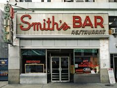 """Smith's Bar"" in der 8th Avenue (Ecke West 44th Street)"