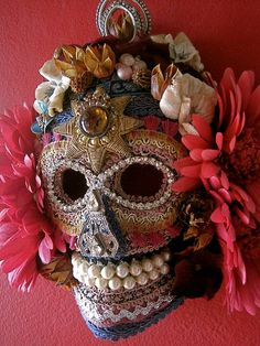 ☠ Bonita en Rosa Day of the Dead Mask Wall Art Home Decor ☠ Great Day of the Dead board. viva la Daring Young Man!!!!  @Jane Izard George