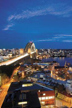 Buzzing nightlife of Sydney, Australia!