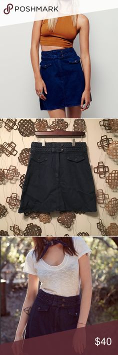 """Free People Braided Mini Skirt Size 6 NWT Free People Braided Mini Skirt Size 6. Measurements(taken flat): waist-14"""" & length-18"""". No trades. Price is FIRM. Free People Skirts"""
