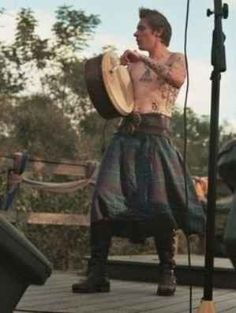 Community: 40 Shirtless Guys In Kilts