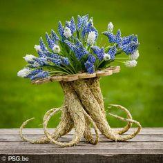 floral art by  Moniek Vanden Berghe