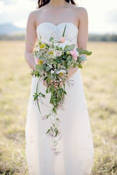 Natural flowing bouquet | Hunter Valley Wedding | Photography: Kellee Walsh |  On SMP: http://www.stylemepretty.com/australia-weddings/2013/11/11/hunter-valley-wedding-from-kellee-walsh