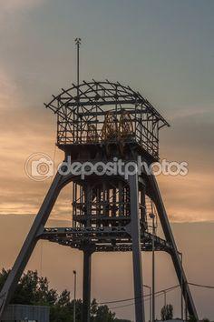 Wieża ekstrakcji — Zdjęcie stockowe © EwelinaBanaszak #76595777
