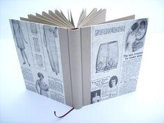 Das tolle Papier habe ich mit sandfarben Feingewebe und sandfarbenen Büttenpapier vervollständigt,zusätzlich ist das Buch mit einemdunkelrotem Lese...