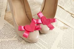 DIY shoe clips by ModCloth  ..but I heartily regret the tearing-apart of an old book to use in lieu of newspaper etc.