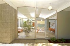 This mid century Eichler in Balboa Highlands California is a reminder that I never get tired of looking at Eichler's work.