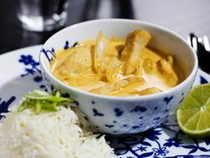 Kokoskyckling med ris (kock Pelle Johansson) Asian Style, Thai Red Curry, Nom Nom, Pasta, Chicken, Health, Ethnic Recipes, Food, Barn