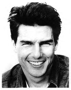 Tom Cruise and his dimples. Katie Holmes, Nicole Kidman, Hollywood Actor, Hollywood Stars, Tom Cruise Young, Top Cruise, Luke Benward, Famous Portraits, Alexander Ludwig