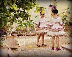 Traje de gitana o flamenca. Típico traje especial andaluz (español) para Ferias y Fiestas Populares. Vestido flamenco. Moniques Things.