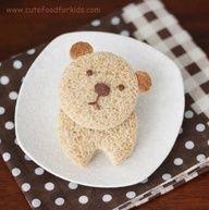 Teddy Bear bread sandwich snack Cute Snacks, Cute Food, Good Food, Yummy Food, Edible Crafts, Edible Food, Food Crafts, Edible Art, Bento