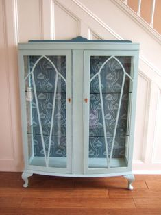 Stunning stenciled cabinet by Aurora Originals, using Stencil Library's small SIB23 Bloomsbury stencil.