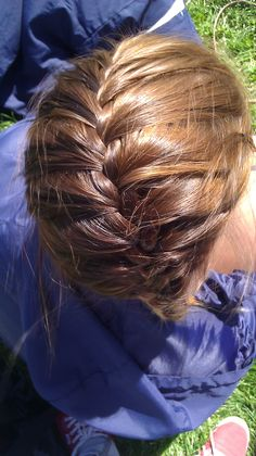 Honey Brown Hair with the perfect amount of lightness to it Honey Brown Hair, Haircolor, Hair And Nails, Hair Ideas, Hair Makeup, Braids, Make Up, Dreadlocks, Hairstyles