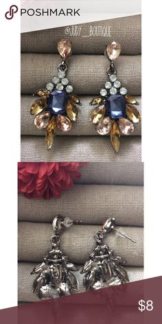 ⚜️Crystal Rhinestone Elegant Earrings⚜️ 🎀Metal Type: Zing Alloy  💎Price is Firm💎  📦 I ship orders within 24 Hours! {Excluding Weekends}📦  🚫No Trades🚫No Holds🚫 Jewelry Earrings