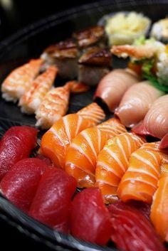 Platter of Nigiri Sushi (Tokyo Sta.)
