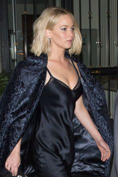 Jennifer Lawrence turns up the heat in sultry low-cut slip dress as she steps out Jennifer Lawrence Birthday, Pelo Jennifer Lawrence, Liam Hemsworth, Jenifer Lawrens, Hunger Games, Mtv, Jannifer Lawrence, Happiness Therapy, Kentucky