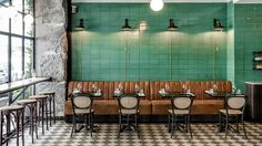 Les Trois Cochons is one of the restaurants in the Cofoco range in Copenhagen. I love their green tile wall, combined with the cognac leather bench and the bistro chairs. The interior is such an important factor for the vibe … Continue reading → Cafe Bar, Cafe Restaurant, Restaurant Design, Restaurant Banquette, Cafe Bistro, Bistro Design, Coffee Shop Design, Bistro Interior, Cafe Interior Design