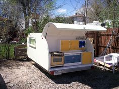 Sweet! Make: Projects author Werner made an epic how-to on his teardrop camper trailer built on the frame of a cheap Craigslist popup camping trailer.