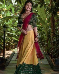 Glam Photoshoot, Saree Photoshoot, Most Beautiful Indian Actress, Beautiful Actresses, Costume Paris, Honey Rose, Kurta Designs Women, Blouse Designs, Senior Girl Poses