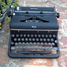 1947 Royal Quiet De Luxe Dark Gray Working Portable Typewriter like Hemingway used.