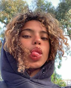 pretty people without makeup style me Curly Hair Styles, Natural Hair Styles, Hair Inspo, Hair Inspiration, Pretty People, Beautiful People, Beautiful Pictures, Aesthetic Hair, Hairstyles With Bangs