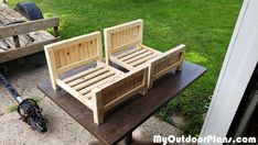 Had to make a couple of these for my cats! Bed Frame Plans, Diy Bed Frame, Bed Plans, Farmhouse Cat Beds, Woodworking Plans, Woodworking Projects, Diy Cat Bed, Wood Cat, Wood Shed