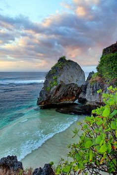 Uluwatu - Bali, Indonesia by Matt Hofman, via Flickr