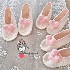 Diy Crafts - 404 Not Found - This page has been removed Crochet Shoes Pattern, Crochet Baby Booties, Crochet Slippers, Crochet Patterns, Crochet Gifts, Knit Crochet, Crochet Freetress, Crochet Flower Tutorial, Crochet For Kids