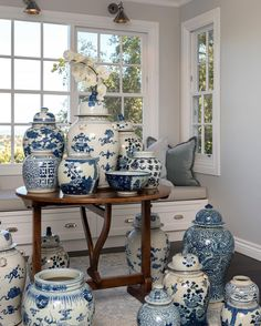 Some of our beautiful collection of ginger jars Blue And White China, Blue China, Wabi Sabi, Chinoiserie Chic, Blue Rooms, Blue Plates, Ginger Jars, White Decor, White Porcelain