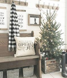Are you searching for ideas for farmhouse christmas tree? Browse around this website for cool farmhouse christmas tree inspiration. This kind of farmhouse christmas tree ideas looks absolutely excellent. Christmas Time Is Here, Noel Christmas, Merry Little Christmas, Winter Christmas, Christmas Crafts, Christmas Porch, Christmas Ideas, Christmas Pictures, Christmas Music