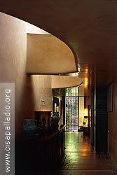 Fototeca CISA Scarpa - foto CS001125 - Casa Balboni Artist And Craftsman, Carlo Scarpa, Venice Italy, Modern Architecture, Connect, Furniture Design, Contemporary, Interior, Home Decor