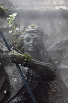 Karthigai Somavar is the Mondays in the Karthigai month which is dedicated to Lord Shiva. Shiva devotees observe Karthigai Somavara Vratam, offer prayers, special pujas and rituals on these days to obtain the grace and divine blessings. Shiva Linga, Mahakal Shiva, Shiva Art, Hindu Art, Ganesha Art, Lord Shiva Hd Wallpaper, Lord Shiva Painting, Lord Mahadev, Hinduism
