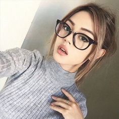 Imagen de girl, glasses, and tumblr