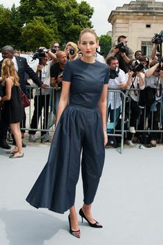 Leelee Sobieski Leelee Sobieski arrives at Dior Haute Couture Fall-Winter 2013-2014 fashion show in Paris.