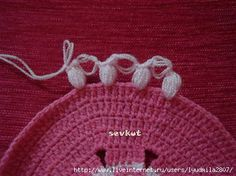crochet strange and beauty flower Crochet Doilies, Crochet Flowers, Doily Patterns, Crochet Patterns, Flower Photos, Crochet Designs, Diy And Crafts, Beanie, Butterfly