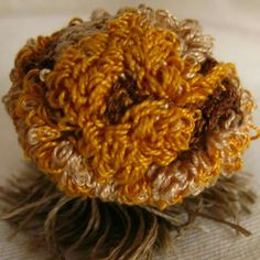 Floreciendo Escultura textil 2013 Majo Perrosa