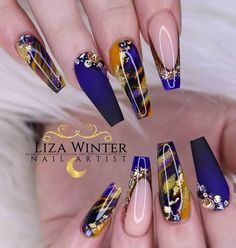 Nail art Christmas - the festive spirit on the nails. Over 70 creative ideas and tutorials - My Nails Fabulous Nails, Gorgeous Nails, Pretty Nails, Nail Swag, Dope Nails, Bling Nails, Nagel Bling, Best Acrylic Nails, Manicure E Pedicure