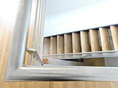 Diese elegante Wangentreppe WAT 2600 verbindet in einem Bürogebäude in Berlin-Wilmersdorf das EG mit dem OG. Das Geländer aus Edelstahl ist pflegeleicht und sehr elegant.