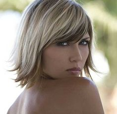 Offering a sumptuous and romantic appeal the use of the blonde highlights on brown hair is incredible for you. visit http://www.fashionient.com/