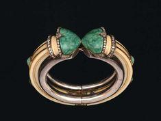 Georges Fouquet (1862-1957), bracelet Ivory six jade cabochons, rose cut diamonds 1920-1925. Estimate : 60 000/65 000 €.