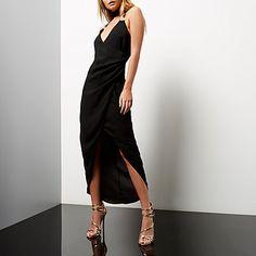 Black ruched wrap maxi dress 35,00 €