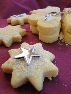 Cannoli, Meringue, Afternoon Tea, Truffles, Baked Goods, Christmas Time, Food To Make, Food And Drink, Pudding