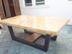 """mesa de mármol 260 x 140 x 2 cms de una sola placa, acabado pulido brillado,base de estructura metpalica de PTR 4 x 4 """""""