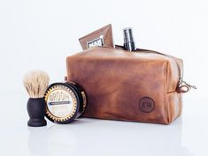 75th Birthday 1944  Men/'s Wash Bag Gift Idea Present Keepsake Dopp kit