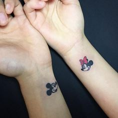 90 tattoos for couple and boyfriends. Bff Tattoos, Tattoos Infinity, Little Tattoos, Tattoos For Guys, Matching Disney Tattoos, Disney Couple Tattoos, Couple Tattoos Love, Mickey Tattoo, Meaningful Tattoos For Couples