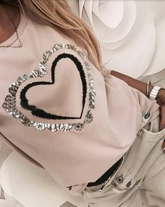 Sequins Heart Pattern Round Neck Long Sleeve Casual Sweatshirt Women's Online Shopping Offering Huge Discounts on Dresses, Lingerie , Jumpsuits , Swimwear, Tops and More. Sexy Bluse, Tops Online Shopping, Trend Fashion, Punk Fashion, Lolita Fashion, Style Fashion, Womens Fashion Online, Casual T Shirts, Pattern Fashion
