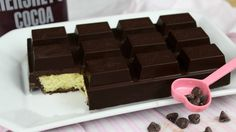 Chocolate bar on the outside while cake on the inside! Have you ever tasted a chocolate bar that tasted like a cake? In making a chocolate bar cake, … Cupcake Recipes, Cupcake Cakes, Dessert Recipes, Cupcakes, Cake Bars, Chocolate Bar Cakes, Giant Chocolate, Raspberry Chocolate, Fun Desserts
