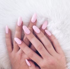Semi-permanent varnish, false nails, patches: which manicure to choose? - My Nails Trendy Nails, Cute Nails, Hair And Nails, My Nails, Nail Polish, Nagel Gel, Manicure And Pedicure, Nails Inspiration, Beauty Nails