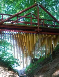 The bridge turned into a musical instrument by hanging metal pipes from the underside.Aahus,Denmark