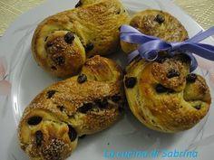 Pan del mattino all'arancia , gocce di cioccolato e miele